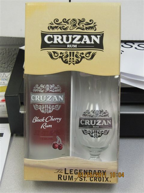 Cruzan Black Cherry Rum w/ Hurricane GL
